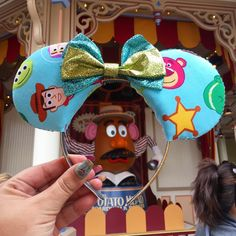 Taking a trip to a Disney park simply isn't the same without mouse ears. Even if Mickey isn't your favorite character, the iconic headpiece is quintessential Diy Disney Ears, Disney Mouse Ears, Disney Diy, Mickey Ears, Mickey Mouse, Disney World Vacation, Disney Vacations, Disney Trips, Disney Travel
