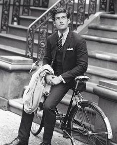 Suit and tie fixation Gentleman Mode, Dapper Gentleman, Dapper Men, Gentleman Style, Jay Gatsby, Gq Style, Preppy Style, Scott Fitzgerald, Polo Suits