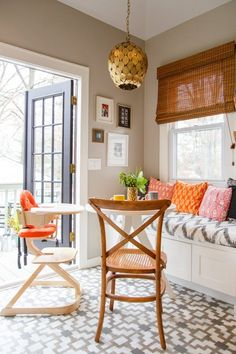 Breakfast Nook Using Brass Pendant Lighting And Bamboo Blinds In The Windows Apartment Therapy, Kitchen Spotlights, Kitchen Lighting, Decoracion Vintage Chic, Sweet Home, Bamboo Blinds, Bamboo Curtains, Door Curtains, Stenciled Floor