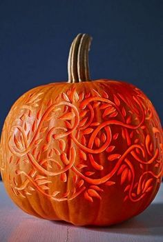 31 Easy Pumpkin Carving Ideas for Halloween 2017 - Cool Pumpkin Carving Designs and Pictures Halloween Pumpkins, Halloween Crafts, Halloween Decorations, Halloween 2017, Easy Halloween, Halloween Labels, Halloween Pumpkin Carvings, Halloween Makeup, Halloween Templates
