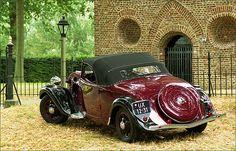 Citroën Traction Avant Cabriolet 1937 (closed top) by Foto Martien, via Flickr