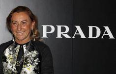 Miuccia Prada l'italiana più potente secondo Forbes.  La stilista milanese inserita al 67mo posto della classifica. In testa ci sono la cancelliera Angela Merkel e la Segretaria di Stato statunitense Hilary Clinton. Nel 2010 compariva anche Marina Berlusconi
