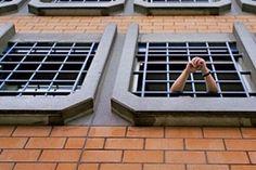 Nakon pobune pobjeglo 16 osuđenika iz zatvora u Orašju!