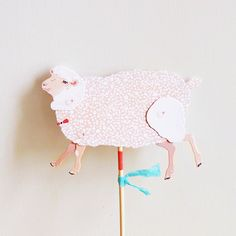 DIY Paper Puppet Sheep by Furze Chan traditional kids toys Diy Paper, Paper Art, Paper Crafts, Traditional Kids Toys, Diy For Kids, Gifts For Kids, Paper Puppets, Sheep And Lamb, Electronic Toys