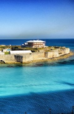 King's Wharf in Bermuda >>> The color of that water makes me want to jump in now!