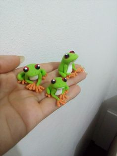 Polymer Clay Animals, Fimo Clay, Polymer Clay Projects, Polymer Clay Jewelry, Frog Template, Gel Candles, Fondant Animals, Clay Fairies, Play Clay