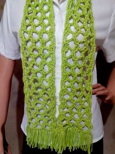 Simple crochet scarf