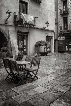 Plaça de les castanyes by Xavier Alejo