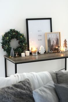 Beautiful Minimalist Home Decoration Inspirati. Beautiful Minimalist Home Decoration Inspirati… – # Minimalist Christmas, Minimalist Home, Minimalist Apartment, Noel Christmas, White Christmas, Christmas Island, Christmas Lights, Christmas Cookies, Christmas Vignette