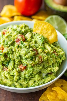 How to make the BEST EVER Guacamole. An authentic guac recipe loaded with avocados, tomato, onion, cilantro, and plenty of lime juice. The only guacamole recipe you'll need! Best Guacamole Recipe, Fresh Guacamole, How To Make Guacamole, Homemade Guacamole, Avocado Recipes, Guacamole Recipe With Tomatillos, Potato Recipes, Vegetable Recipes, Mexican Guacamole Recipe