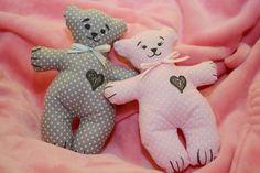 Ružový a sivý:) Párik šitých medvedíkov maznáčikov:) Autorka: adriana842. Hračky, hračka, macík, maco, šitie. Artmama.sk