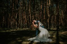 Wedding photography. Idea for a wedding session - nature <3  #lookslikefilm team :)