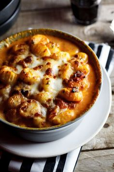 Baked gnocchi with bacon, tomato and mozzarella. #comfortfood #dinner