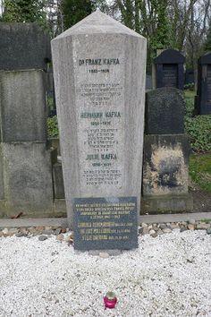 Franz Kafka (Cementerio de Žižkov, Praga)