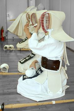 ♂ Japanese martial art Kendo in white