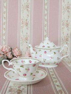 Pretty pink roses on a tea set Tea Cup Saucer, Tea Cups, Pink Color Schemes, Cuppa Tea, Teapots And Cups, My Cup Of Tea, Tea Service, Tea Accessories, High Tea