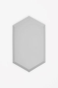 Medium metal tray