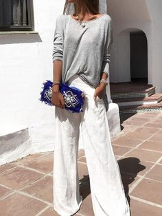 Luxurious drapery, and the funky purse completes the look - Fashion Casual Mode, Moda Casual, Casual Chic, Smart Casual, Mode Outfits, Fashion Outfits, Womens Fashion, Fashion Clothes, Business Outfit Frau
