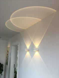 Matching Wall Lights and Ceiling Lights . Matching Wall Lights and Ceiling Lights . Ideas De Decoraci³n E Iluminaci³n Con Tiras De Leds Stair Lighting, Cool Lighting, Wall Sconce Lighting, Modern Lighting, Wall Sconces, Ceiling Lighting, Ceiling Design Living Room, Ceiling Light Design, Ceiling Art
