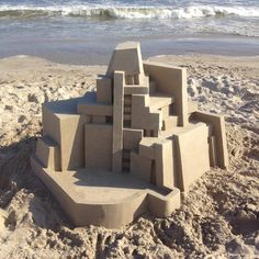 A look at some of the most recent Brutalist Sand Castles by Calvin Seibert. Modern, geometric architectural structures made of sand without any plans. Bristol, Rockaway Beach, Small Figurines, Colossal Art, Samos, Sand Art, Brutalist, Architecture Plan, Installation Art