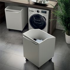 Baskets with wheels Wäschewagen_Space Lavanderia_Scavolini - Bathroom Inspiration, Modular Bathrooms, Bathroom Interior, Small Bathroom, Small Room Bedroom, Paint Colors For Living Room, Home, Laundry Room Design, Kitchen Desks