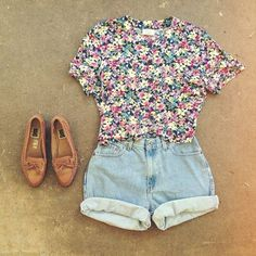 Zeliha's Blog: Floral Top With Denim Shorts Cute Summer Outfits