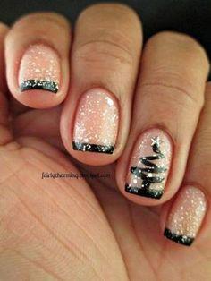uñas cortas estilo francesas de navidad                                                                                                                                                                                 Más