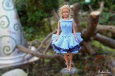 Puppenkleidung - enges Kleid mit 3 Volants für Barbie *** blau - ein Designerstück von Sabisilke bei DaWanda