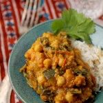 This super-easy creamy chickpea, spinach and zucchini curry is not only dairy-free, gluten-free and vegan but also soothing and delicious. Bean Recipes, Curry Recipes, Free Recipes, Zucchini Curry, Cooking Recipes, Healthy Recipes, Vegetarian Recipes, Skinny Recipes, Delicious Recipes