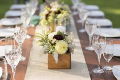 Flowers by Kate Healey Flowers/Big Sur Flowers; Photograph by Allyson Magda Photography