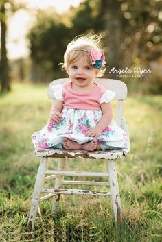 Trendy baby first birthday photo shoot girl one year old ideas Vintage Kids Photography, Girl Photography, Children Photography, Photography Ideas, Photography Portraits, Outdoor Toddler Photography, Indoor Photography, Creative Photography, 1 Year Pictures