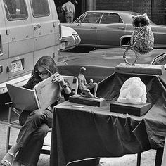 En la lectura // On reading (by Andre Kertesz) Andre Kertesz, People Reading, Woman Reading, Robert Doisneau, Robert Frank, Boris Vian, The Magnificent Seven, Black White, Pictures Of People