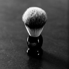 http://ift.tt/2ep5VOs Exklusive Produkte für die tägliche Rasur. Monatlich geliefert. Denn Stil beginnt im Badezimmer. #Rasierhobel #shaving #safetyrazor #beard #shaving #nassrasur #rasurmanufaktur #rasierpinsel #shavingbrush #rasierschaum #rasur #gentleman #gentlemen #style #lifestyle #shavingbowl #lather @arnoldpoeschl