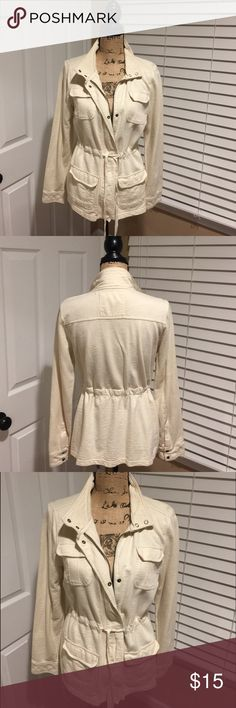 Sonoma Cotton Jacket Sonoma Cotton Jacket in so soft it has a zipped front with snaps and string to pull tight round the waist or can be left loose.  Get jacket  for leggings or Jeans, material is 💯 % cotton Sonoma Jackets & Coats