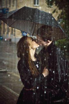 Black and White Photography - Rain Umbrella Couple Love Romance Kissing In The Rain, Walking In The Rain, Couple Kissing, Poses, Cute Kiss, Perfect Kiss, Under The Rain, Love Rain, Under My Umbrella