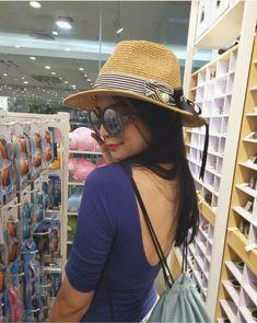 Kenanga, Penyuluh cantik, seorang Vlogger terkenal dijodohkan dengan … #fiksiumum # Fiksi umum # amreading # books # wattpad Panama Hat, Hats, Fashion, Moda, Hat, Fashion Styles, Fasion, Hipster Hat, Caps Hats