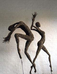 'Sprites' Willow Sculptures by Sara Holmes https://www.facebook.com/willowtwister1
