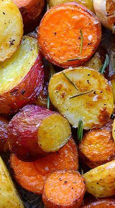 Roast Potatoes with Rosemary, Garlic and Lemon