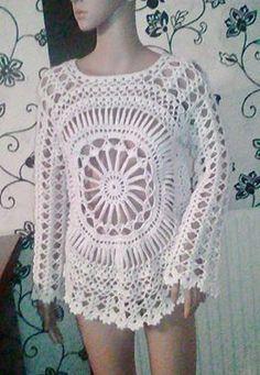 Regata Flor de Liz feita através da minha receita completa.          Regata Flor de Liz feita por Cristina Gil através da minha receita... Crochet Baby Dress Pattern, Crochet Blouse, Crochet Lace, Crochet Stitches, Crochet Patterns, Crochet Summer Dresses, Crochet Girls, Summer Dress Patterns, Crochet Monokini