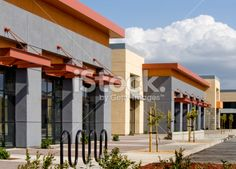Strip Mall Layout | Strip Mall, California Stock Photo 17819732 - iStock