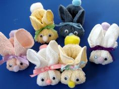 Easter is right around the corner.  I thought it would be fun to share these cute no sew bunnies.  A great craft to do with kids! Here is a list of the supplies you will need: package of washcloths...