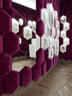 69 Ideas Jewerly Shop Interior Design Projects For 2019 Boutique Interior Design, Showroom Design, Luxury Interior Design, Interior Design Inspiration, Design Shop, Wall Design, Jewellery Shop Design, Jewellery Showroom, Jewelry Shop
