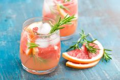Non-alcoholic cocktails: The best recipes for cocktails without alcohol Grapefruit Juice And Vodka, Grapefruit Cocktail, Cocktail Bitters, Cocktail Drinks, Cocktail Recipes, Tonic Cocktails, Refreshing Summer Cocktails, Non Alcoholic Cocktails, Halloween Party Drinks