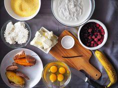 Prăjitură cu mălai și fructe de pădure (fără zahăr) din rețetarul bunicii Baby Food Recipes, Dessert Recipes, Desserts, Dairy, Low Carb, Gluten, Sugar, Sweets, Recipes For Baby Food