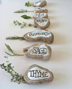 Herbs Gardening Herb Garden Marker Hand Painted Rock Decor Garden by FizzFinds - Painted Rocks Craft, Hand Painted Rocks, Painted Garden Rocks, Culture D'herbes, Pierre Decorative, Garden Labels, Plant Labels, Herb Labels, Marker Crafts