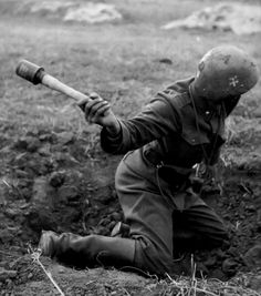 Slovak Soldier, somewhere on the Eastern Front. WWII, pin by stinky old poop stain Ww2 History, Military History, Luftwaffe, German Soldiers Ww2, Central And Eastern Europe, German Uniforms, Ww2 Photos, Military Diorama, World War Ii