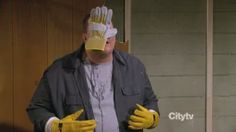 Mike and Molly show | Mike & Molly - Carl Gets a Roommate (s03e13)