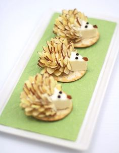 Adorable cheese appetizers for your next gathering! Cute Food, Good Food, Yummy Food, Aperitivos Finger Food, Cheese Appetizers, Appetizer Recipes, Snacks Für Party, Cute Snacks, Food Decoration