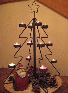 Árbol navideño Christmas Tree Train, Metal Christmas Tree, All Things Christmas, Christmas Diy, Pink Christmas Decorations, Christmas Centerpieces, Wire Crafts, Metal Crafts, Diwali Decoration Lights