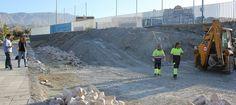 MOTRIL. Esta obra con cargo al PFEA tiene un presupuesto de 155.916 euros, y una duración aproximada de tres meses. La zona se va a urbanizar, dotándola de zonas verdes,